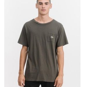 THRILLS DESTROY PALM POCKET TEE - DARK OLIVE